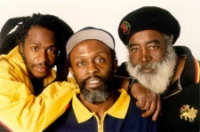 steelpulse.jpg (30310 bytes)